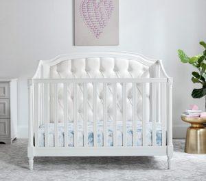 Tempat Tidur Bayi Matias